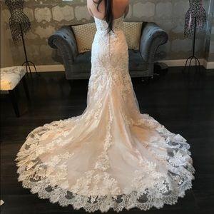 Kenneth Winston 1645 Wedding Dress
